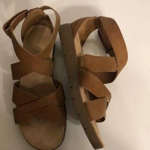 wear.ever  by Baretraps sandals